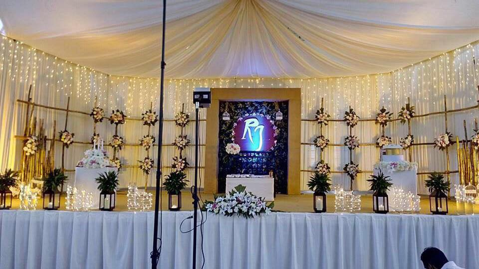 Bamboo Stage Decoration For Christian weddings Doom type Stage
