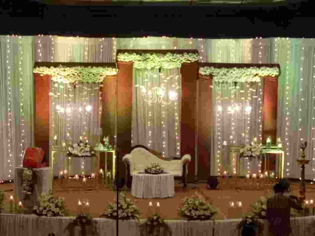 Chandelier Wedding Stage Decoration Image